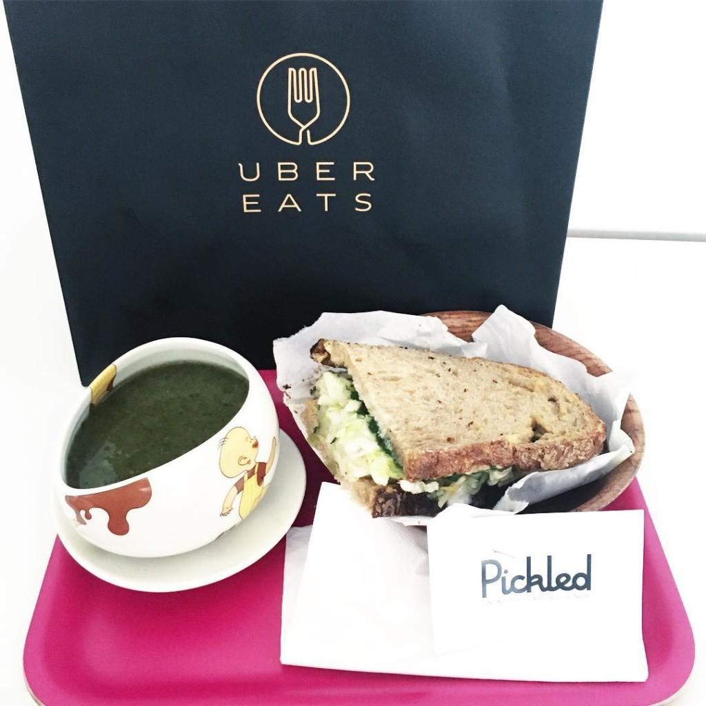 Essai de UberEats EatsPFW PFW ! Uber a lanc sonhellip