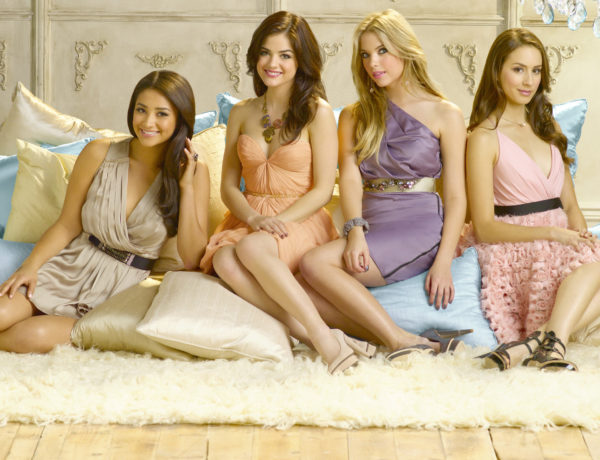 SHAY MITCHELL, LUCY HALE, ASHLEY BENSON, TROIAN BELLISARIO