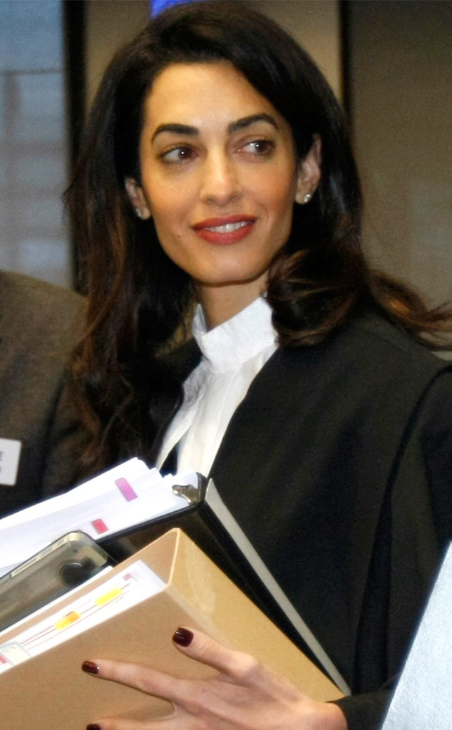rs_634x1024-150128075542-634.Amal-Clooney-Robes-Legal.jl.012915