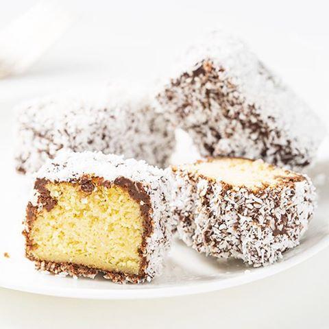 recette des gateaux lamington sur le blog  wwwchloefashionlifestylecom australiadayhellip