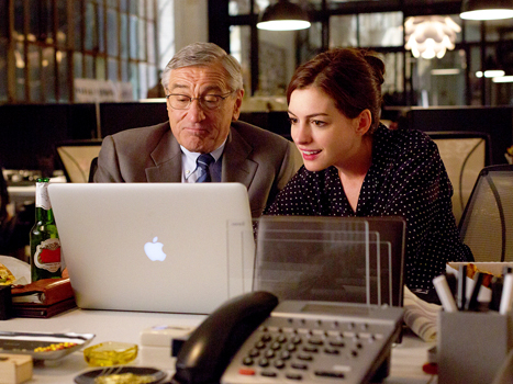 The Intern Movie - Le nouveau stagiaire Anne Hathaway Robert de Niro