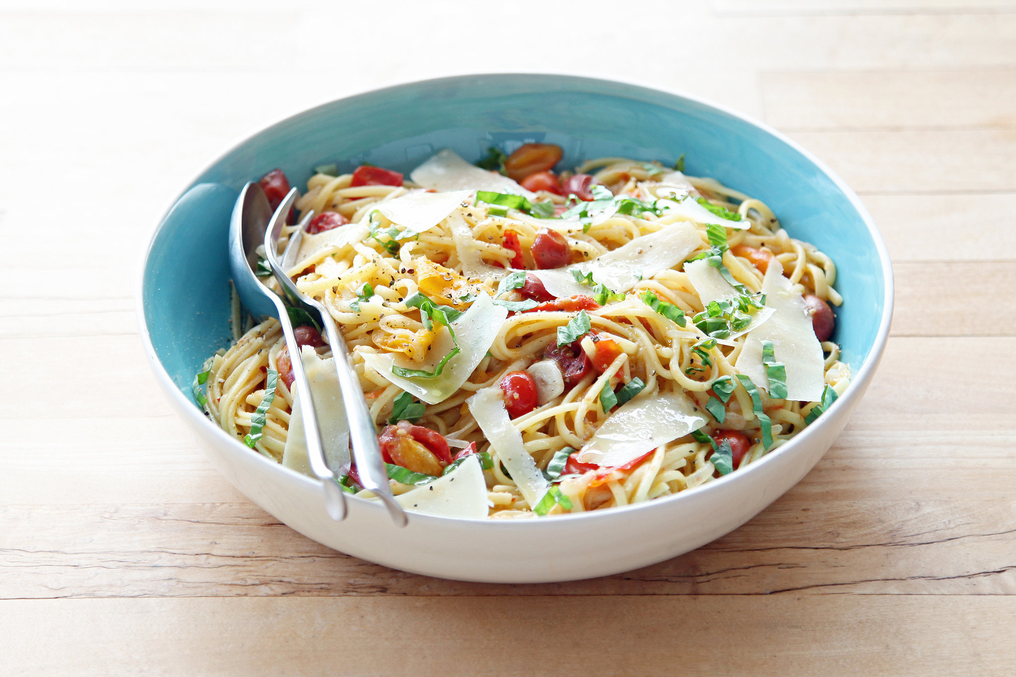 5c0a926a_Martha-Stewart_s-Tomato-One-Pot-Pasta.xxxlarge_2x (1)