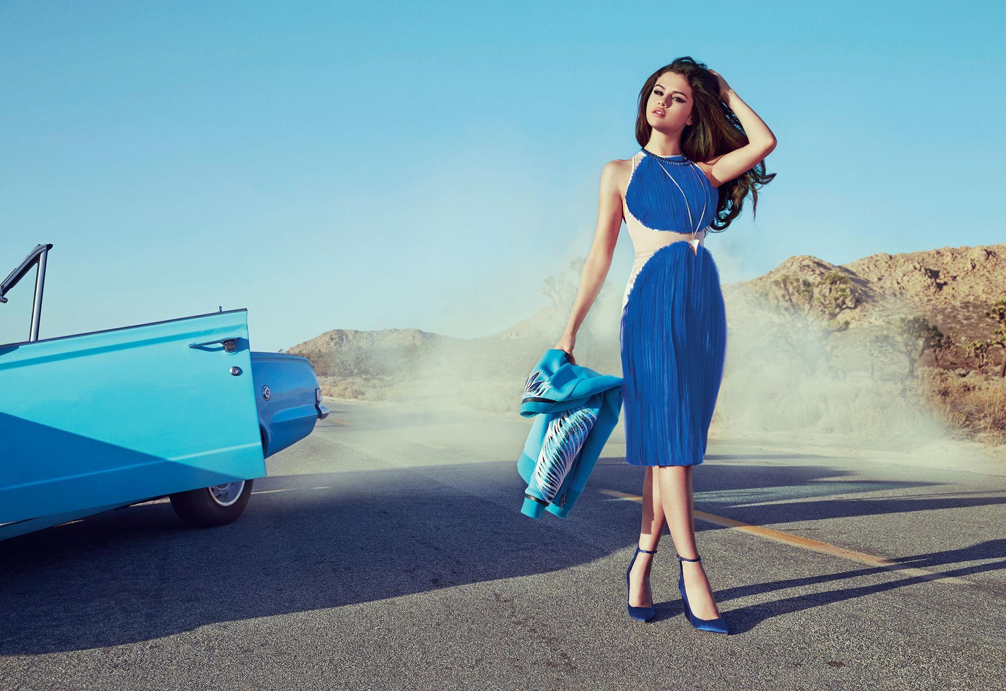 Looks de Selena Gomez53