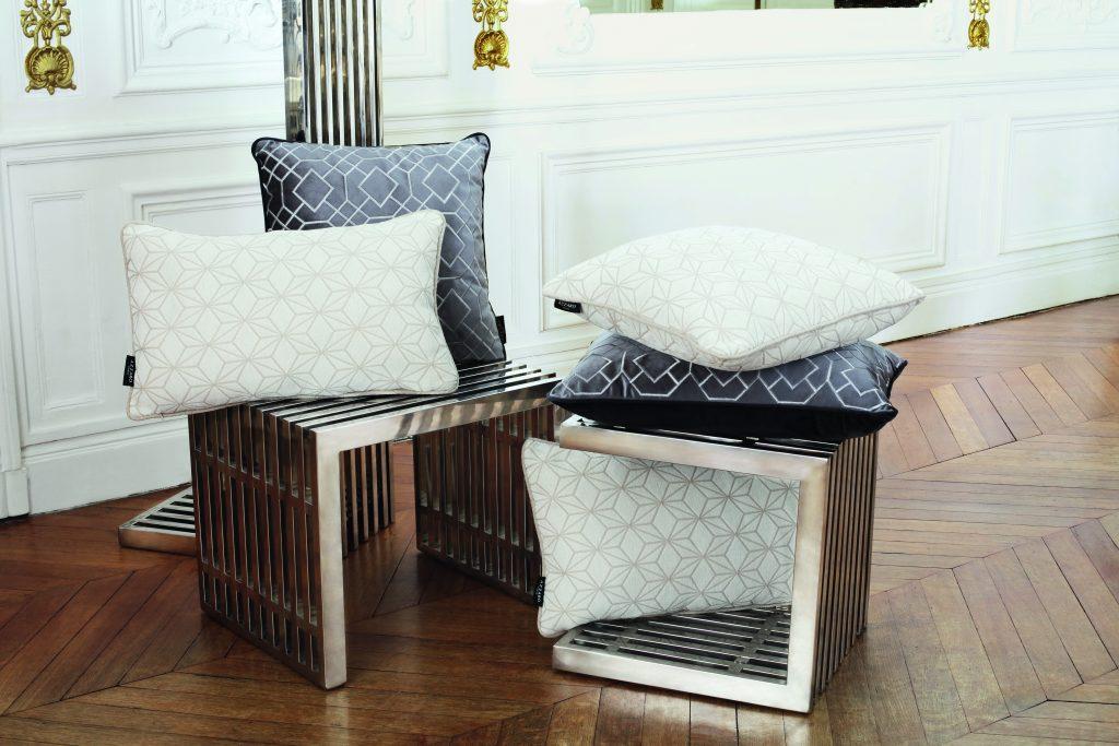 154_cushions_az_l