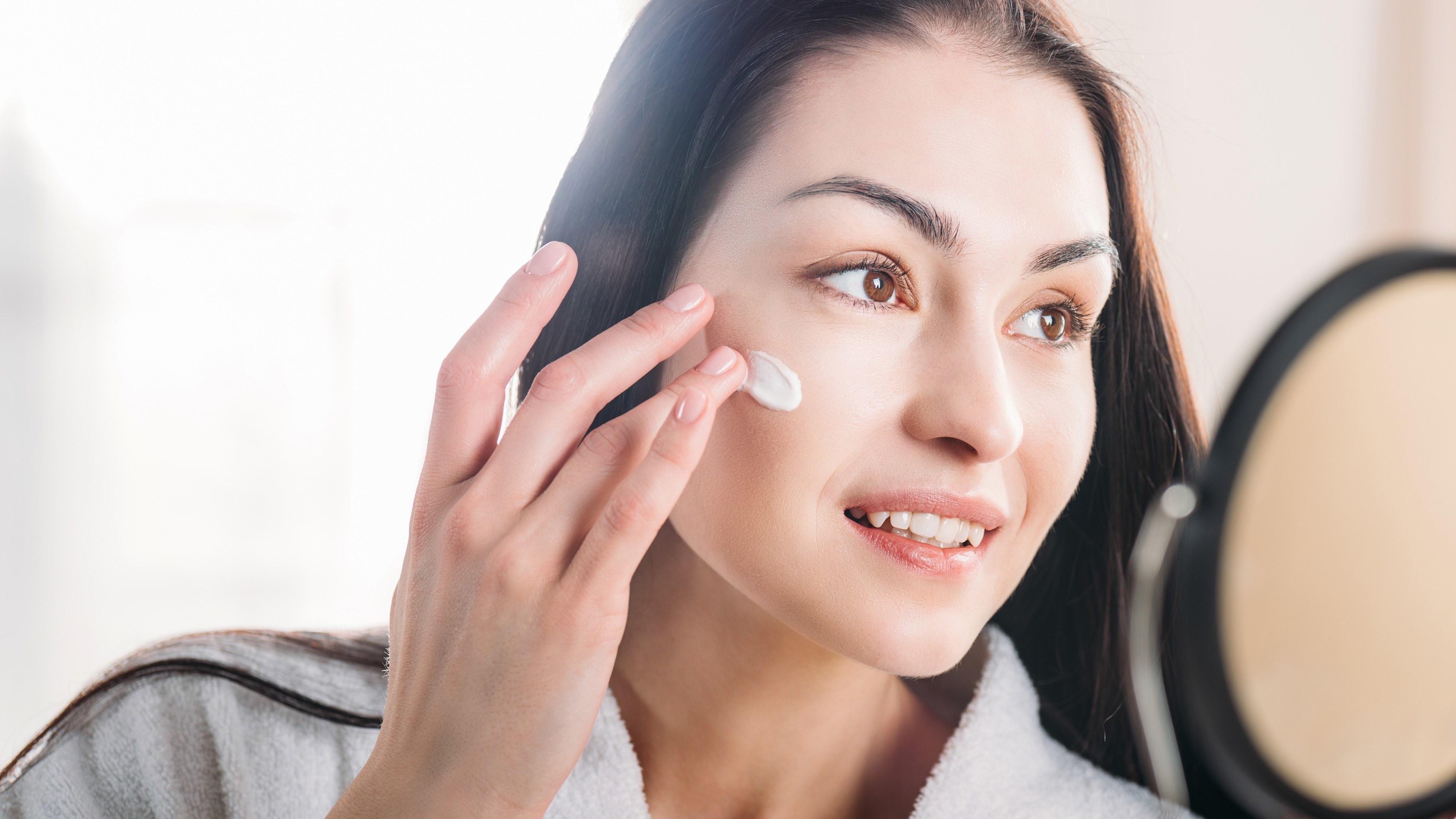 Pourquoi le layering vaut mieux qu'un contouring pour une belle peau ?
