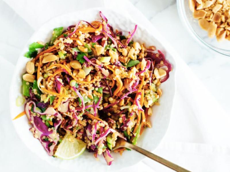 Salade Thaï healthy et croquante au Quinoa
