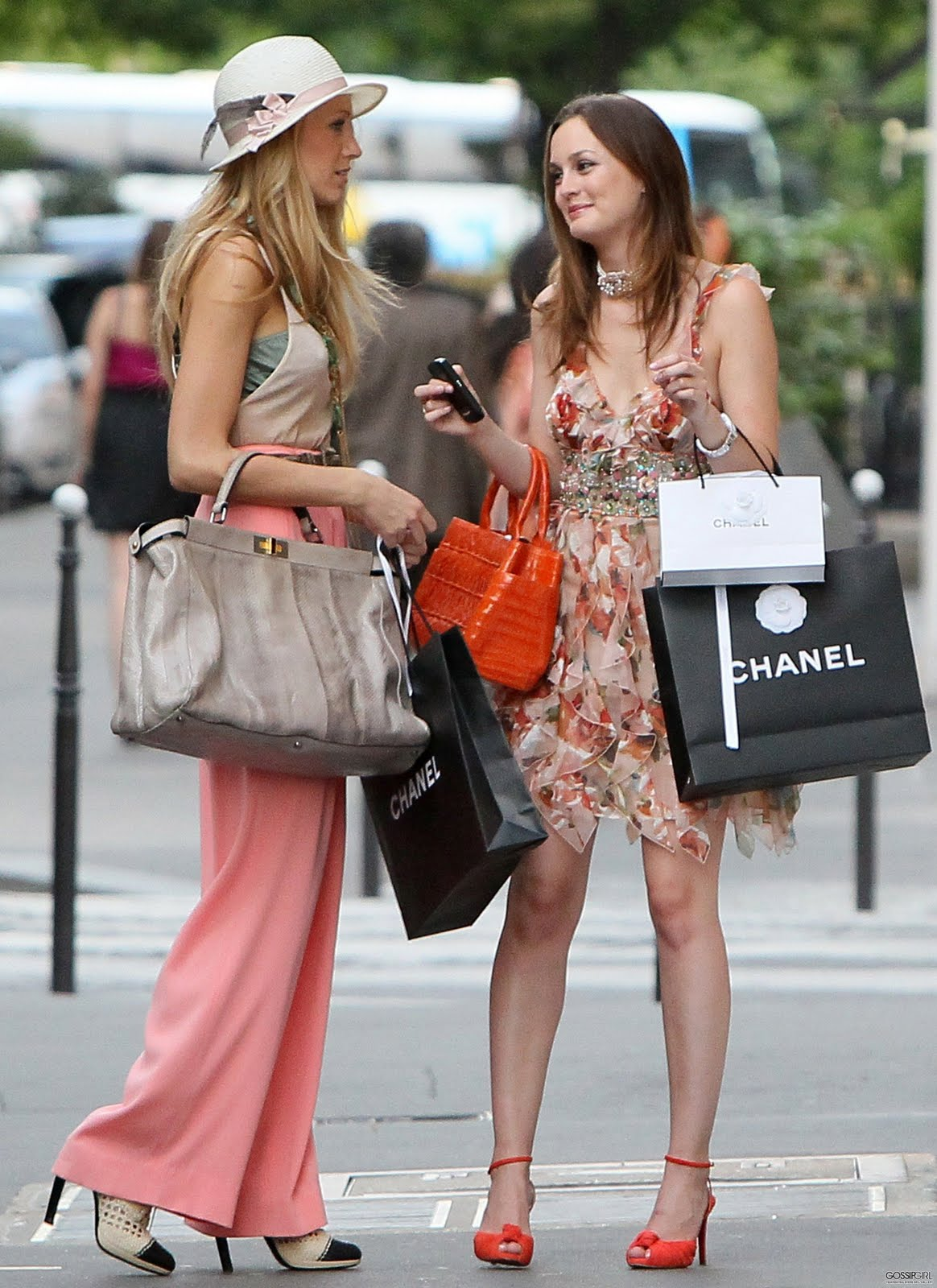 Gossip Girl in Paris 16