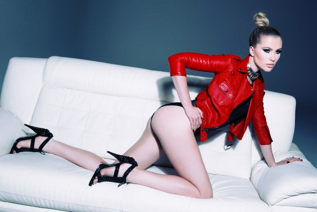 ireland-baldwin-photoshoot-by-solmaz-saberi-november-2013_2