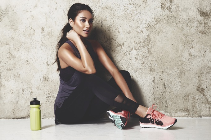 fit-to-wander-shay-mitchell