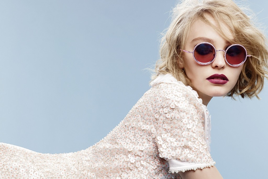 chanel-lily-rose-depp-4-vogue-8sep15-Karl-Lagerfeld-b