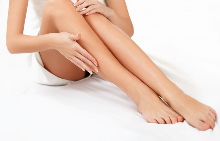 What-Kind-of-Wax-is-the-Best-to-Use-to-Get-Smooth-Beautiful-Legs-900x580