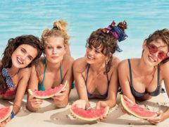 Toni Garrn   ses amies présentent la collection bain de Calzedonia ! 92e67081d708